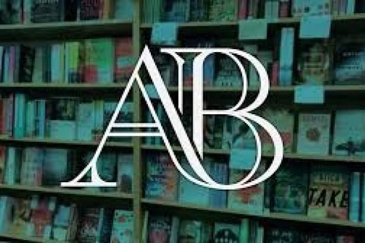 کتاب های افست ارزان قیمت این کتابفروشی در پاریس