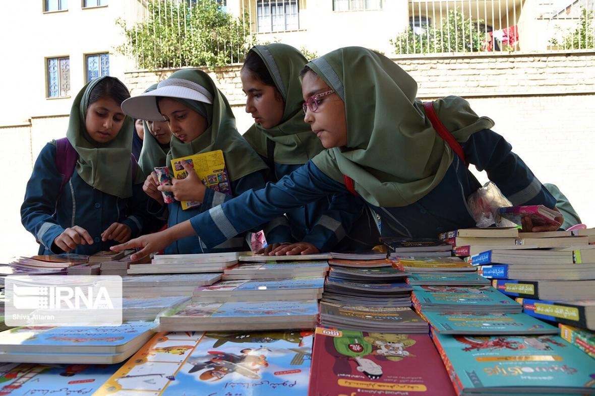 خبرنگاران 100 هزار جلد کتاب در پویش نذر دانایی فارس اهدا شد